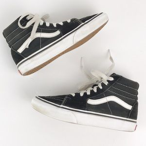 Vans Kids hightop lace up black and white 2.5